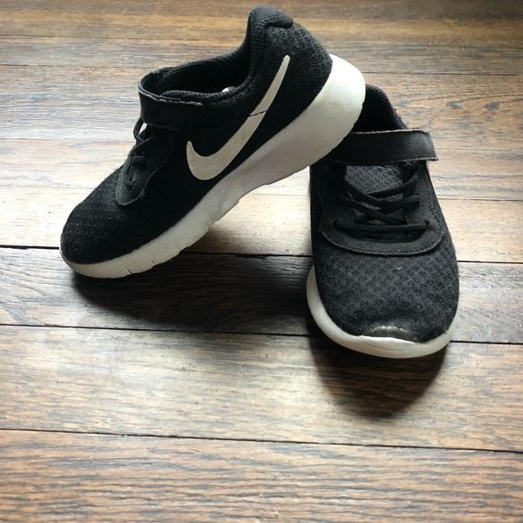Nike Other - Toddler black Nike Sneakers 🌑